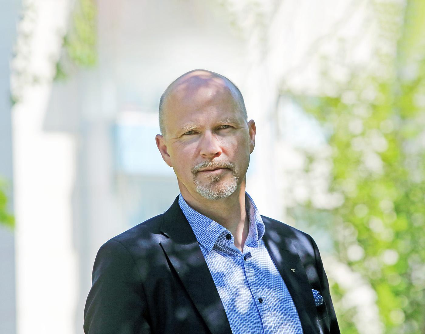 Jussi Riikonen auttaa niin omien yrityksiensä kuin yrittäjyysjärjestön kautta toisia yrittäjiä. Kuva Roy Viitanen